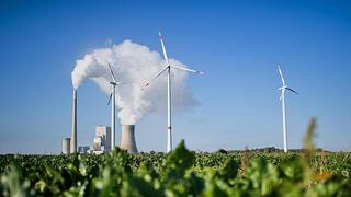 CHINESE COMPANY OFFERS FREE TRAINING FOR US COAL MINERS TO BECOME WIND FARMERS