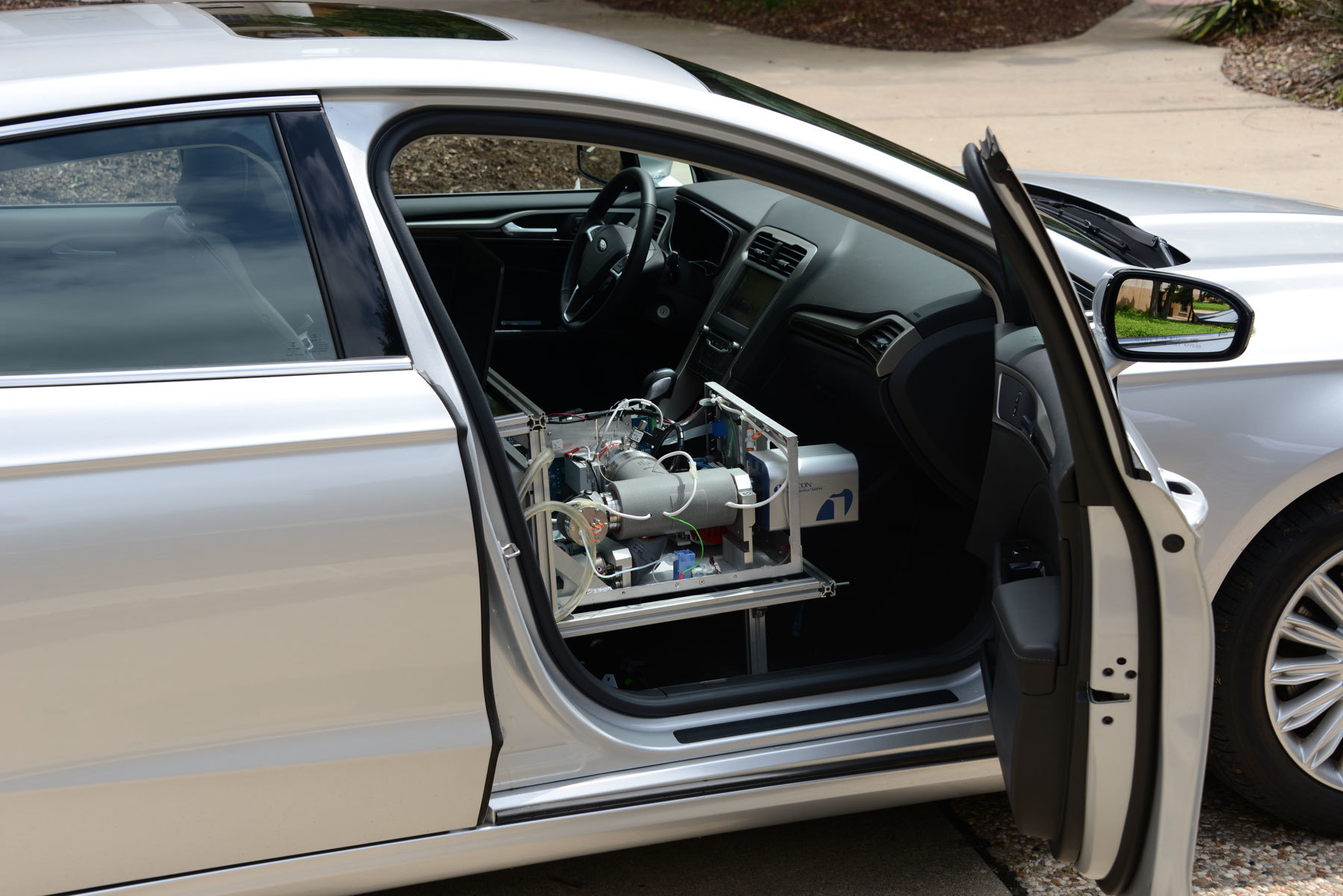 Modded Ford Fusion Can Sniff Drugs a Quarter Mile Away