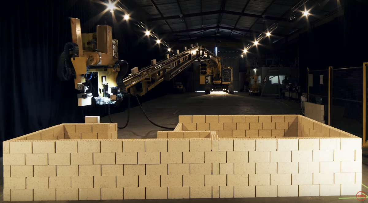 Hadrian Bricklaying Robot