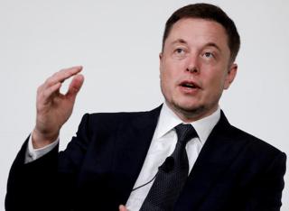 Tesla developing self-driving tech for semi-truck
